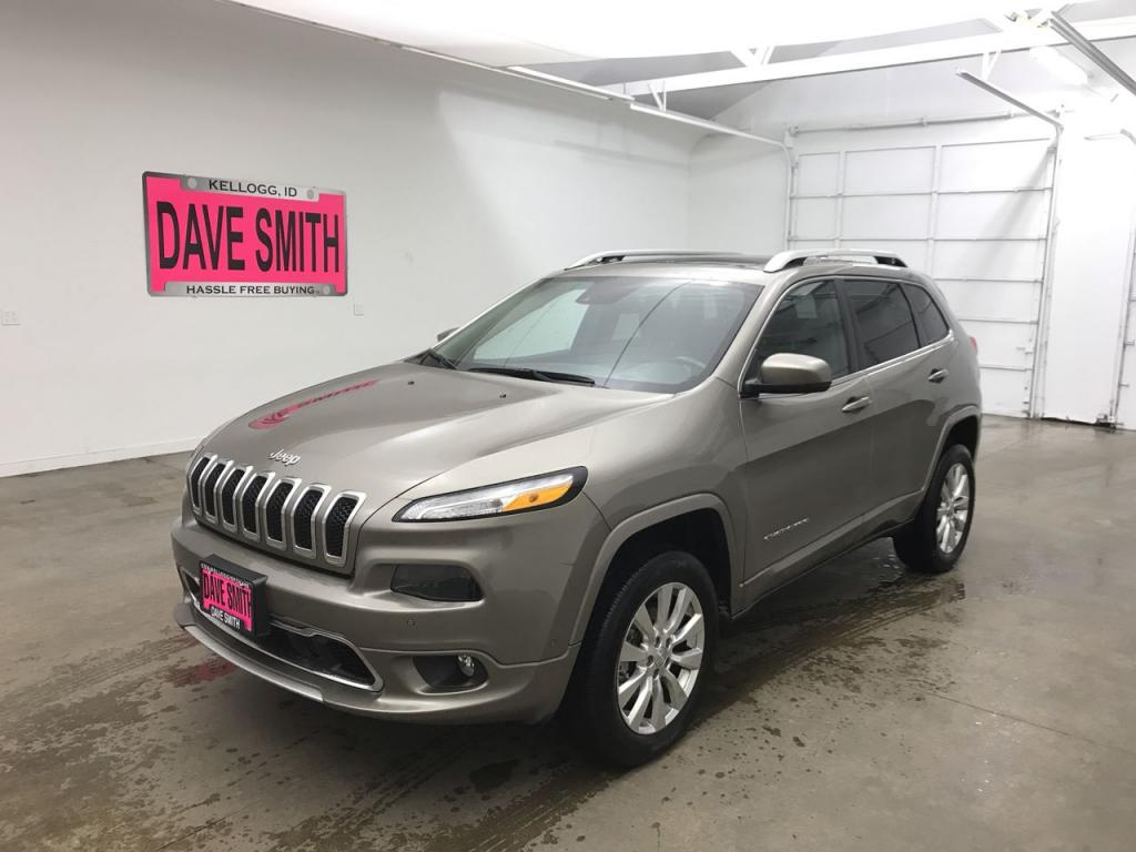 Certified Pre-Owned 2017 Jeep Overland