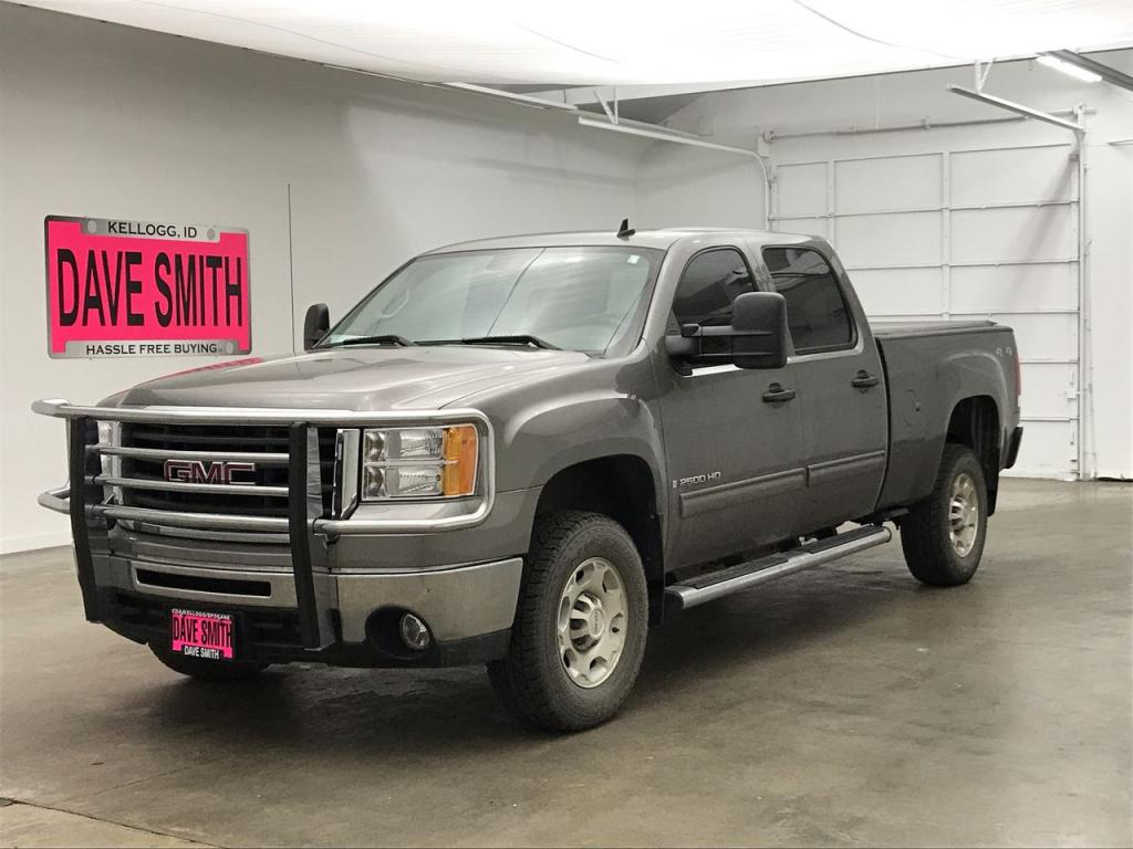 Pre-Owned 2009 GMC SLE Crew Cab Short Box