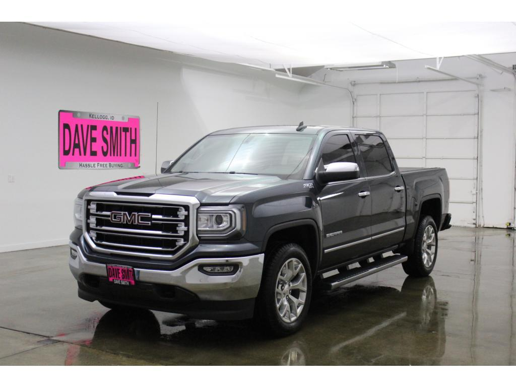 Pre-Owned 2017 GMC SLT