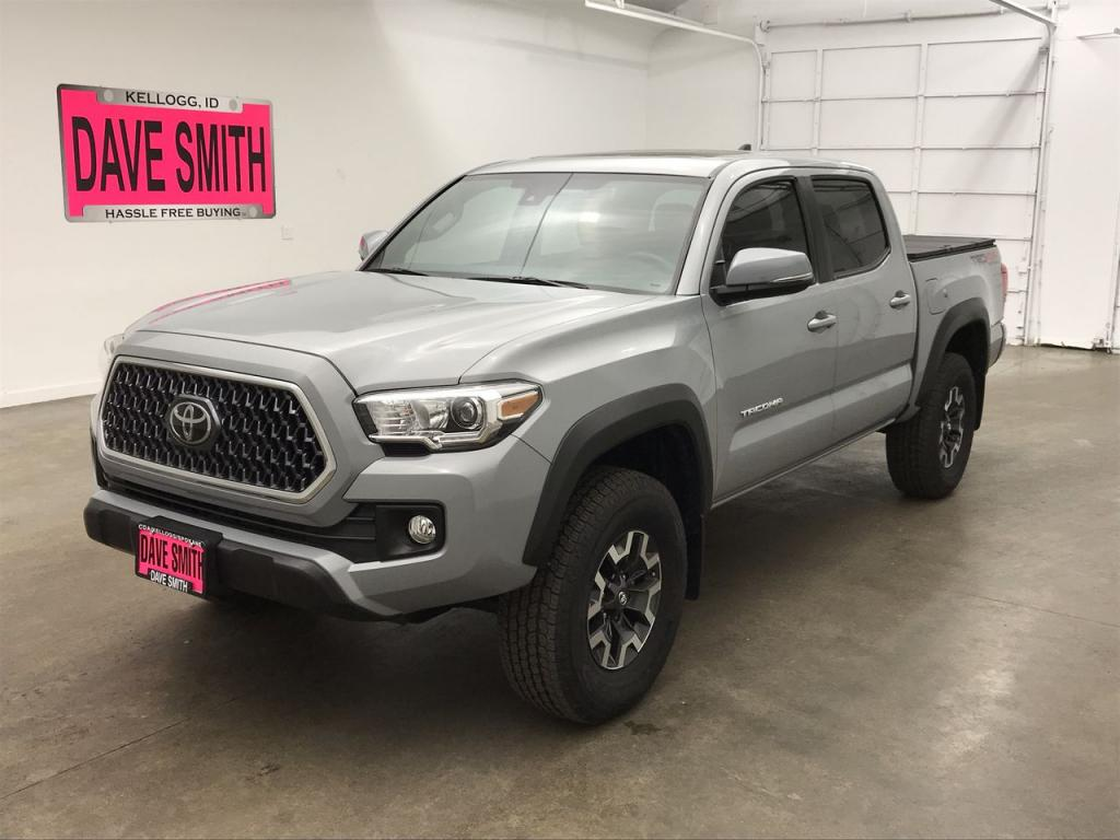 Pre-Owned 2019 Toyota Crew Cab Short Box