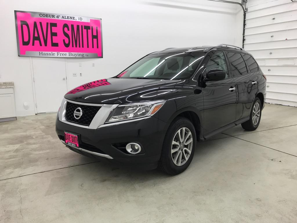 Pre-Owned 2015 Nissan SV
