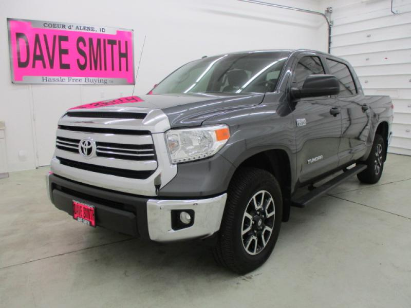 Pre-Owned 2016 Toyota SR5