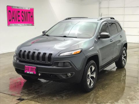 Pre-Owned 2014 Jeep Trailhawk