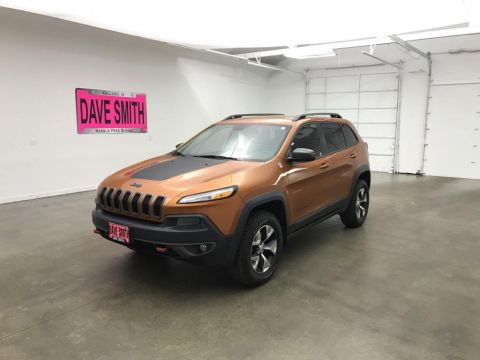 Pre-Owned 2015 Jeep Trailhawk