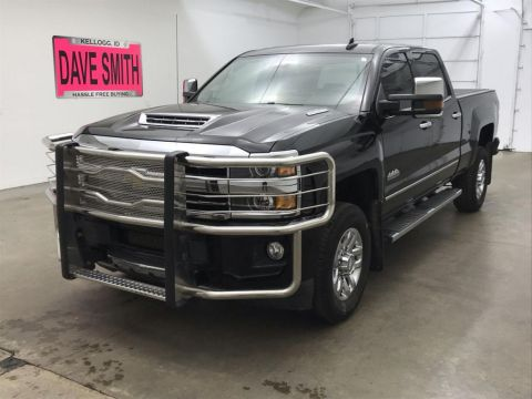 Pre-Owned 2018 Chevrolet High Country Crew Cab Short Box