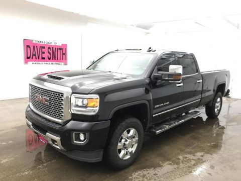 Pre-Owned 2017 GMC Denali Crew Cab Long Box