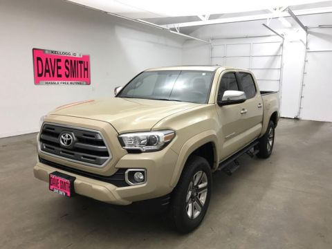 Pre-Owned 2017 Toyota Limited Crew Cab Short Box