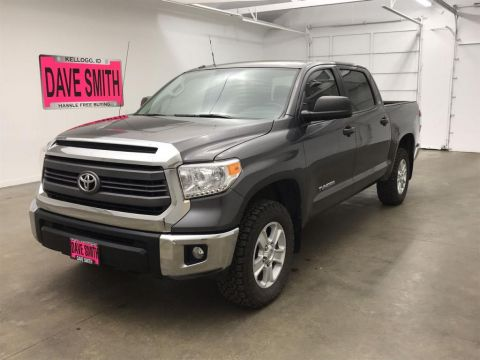 Pre-Owned 2015 Toyota SR5 Crew Cab Short Box