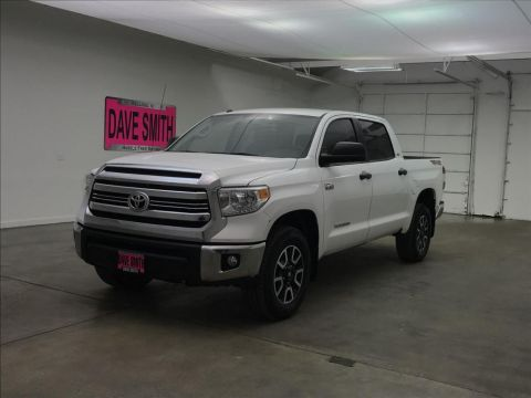 Pre-Owned 2016 Toyota SR5 CrewMax Short Box